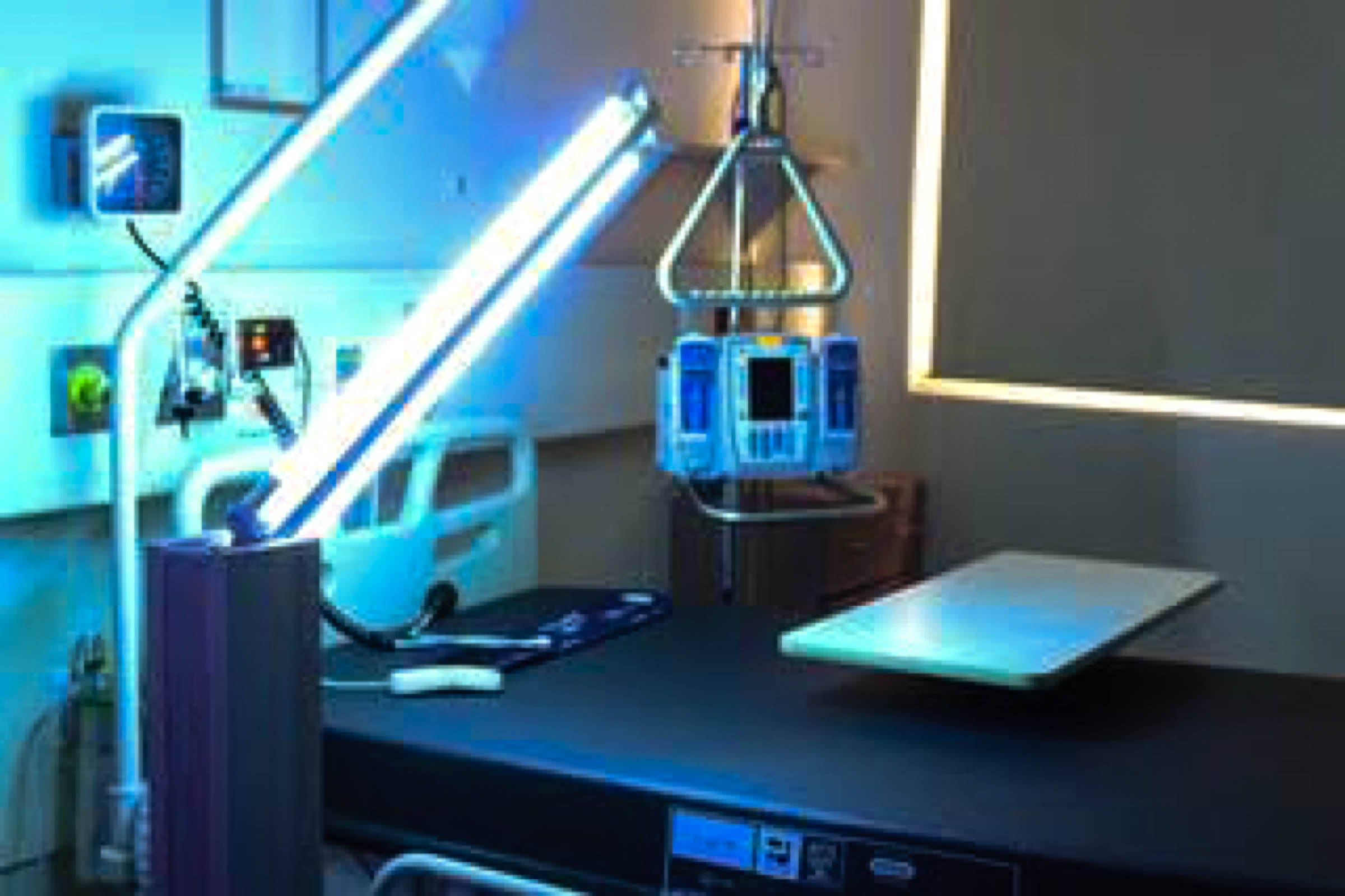 UV disinfection of rooms and equipment