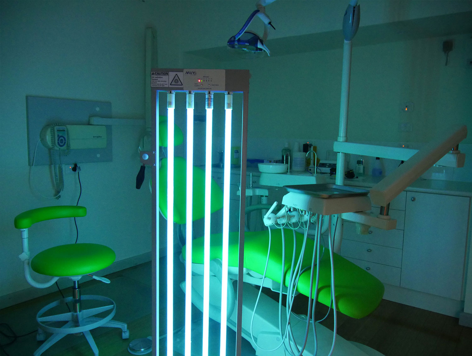 MUVI uv disinfection in dental facility operating room